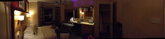 The Crown Spa Hotel: Panoramic view of the room