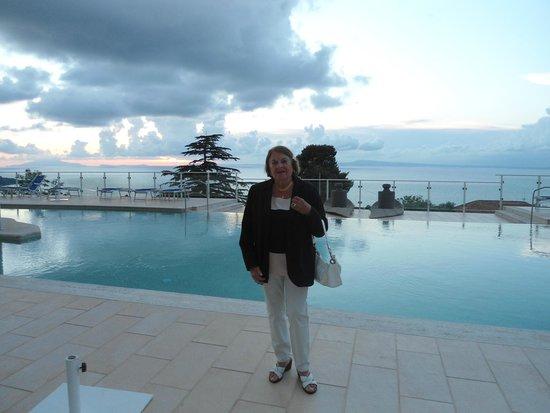 Art Hotel Gran Paradiso: atardecer en la piscina