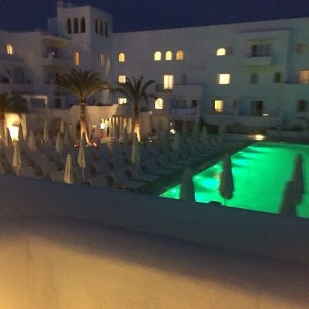 TUI BLUE Rocador: pool area at night