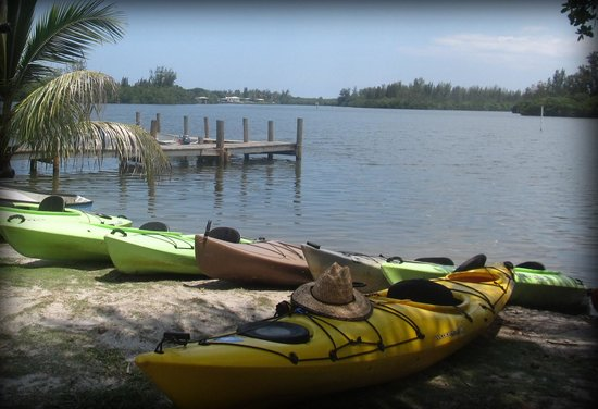 Karen's Kayaks: Honset John's Fish Camp