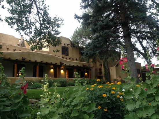Inn on La Loma Plaza: Inn on La Loma main building