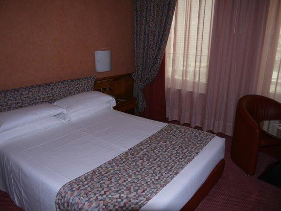 Michelangelo Hotel : Cama