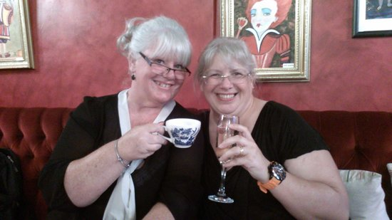 Richmond Tea Rooms: mad hatters tea party had nothing on us!