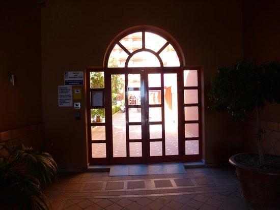 Almunecar Playa Spa Hotel: ENTRANCE TO HOTEL USE KEY CARD