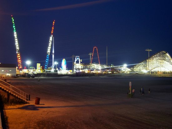Wildwood Boardwalk : Boardwalk by night