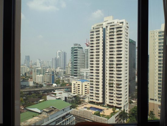 Rembrandt Hotel Bangkok: View from Window