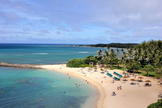 Turtle Bay Resort : View of Kuilima Bay beach from room 521