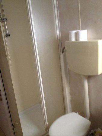 Camping Village Roma: Bathroom