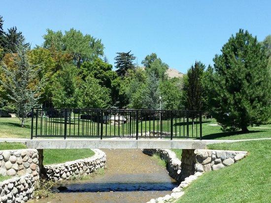 Memory Grove Park: Memory Grove Bridge