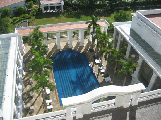 Indochine Palace: vista a la piscina