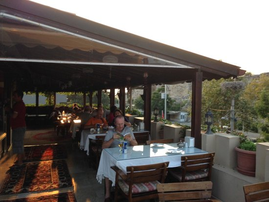 Hotel Bella: Rooftop Dining and Relaxing