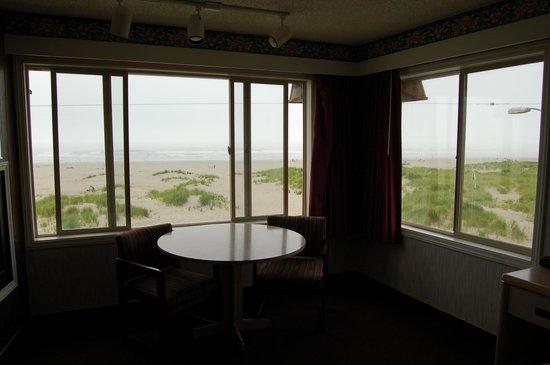 Ebb Tide Oceanfront Inn: View from corner room #321