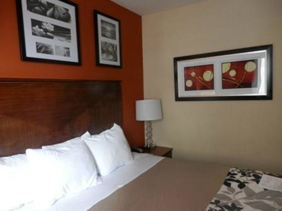 Sleep Inn - Long Island City: camera da letto