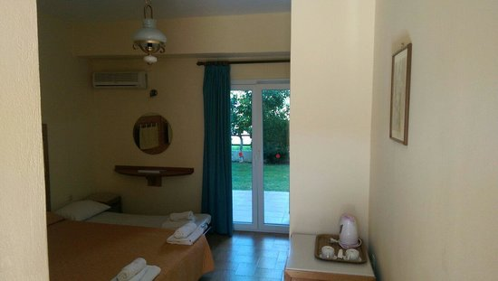 Coral Hotel: Room for 4 persons