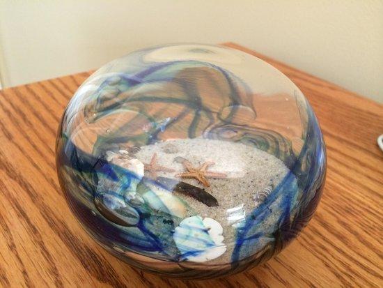 Sandwich Glass Museum : Glass ocean ball