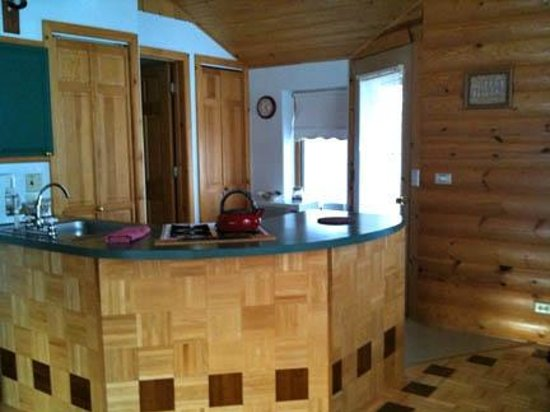 Gigglewood Lakeside Inn : Woodlands Kitchen