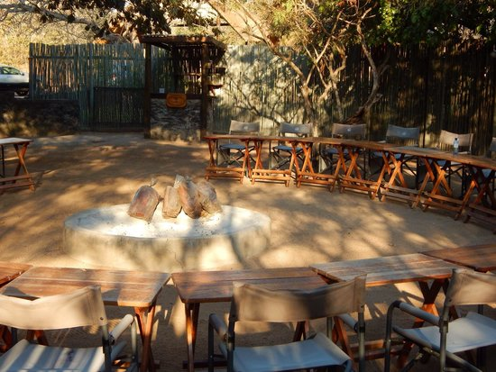 Thornhill Safari Lodge: The braai area