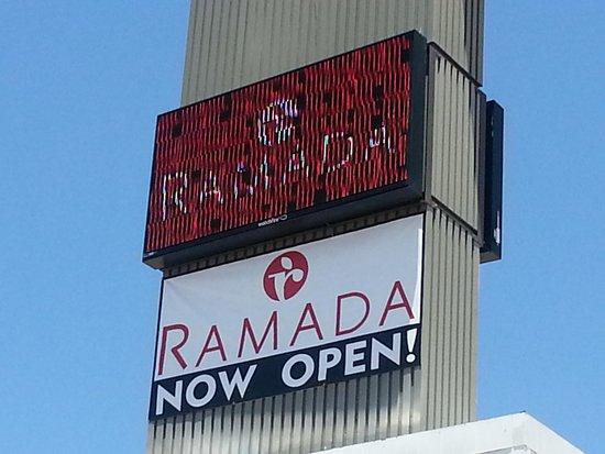 Ramada Kingman: NEW SIGN