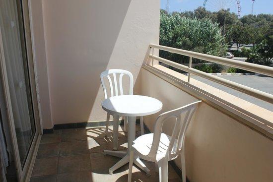 Piere Anne Beach Hotel: на балконе номера 503