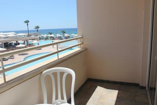 Piere Anne Beach Hotel: вид из номера 503