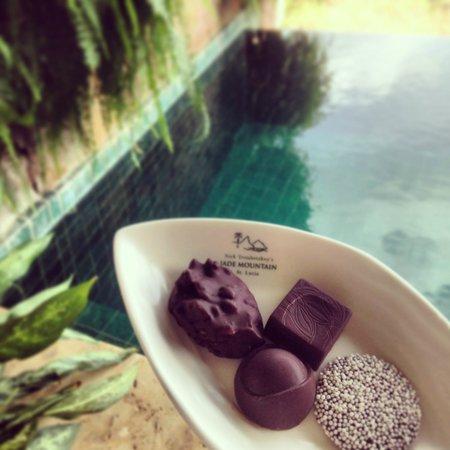 Jade Mountain Resort : Fresh chocolate made from the Jade estate