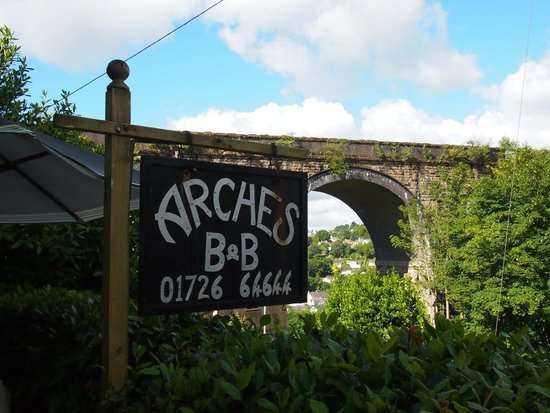 The Arches B&B: sign