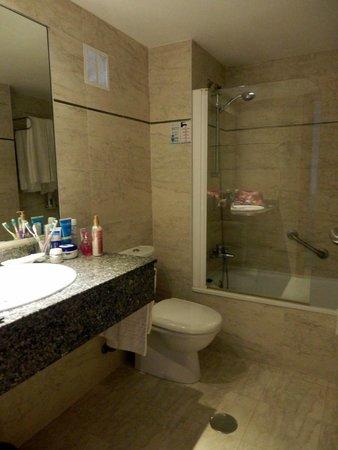 Club Martha's Aparthotel: instalação sanitária