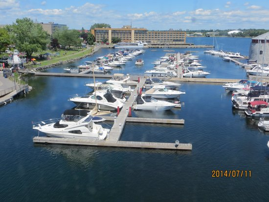 Delta Hotels by Marriott Kingston Waterfront : View of Marina