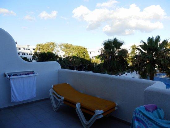 Club Martha's Aparthotel: varanda/terraço