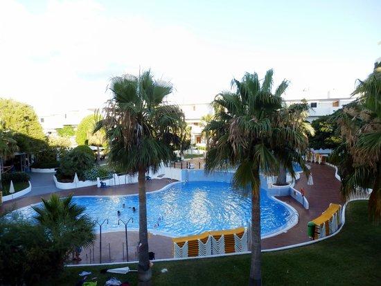 Club Martha's Aparthotel: Vista para a piscina