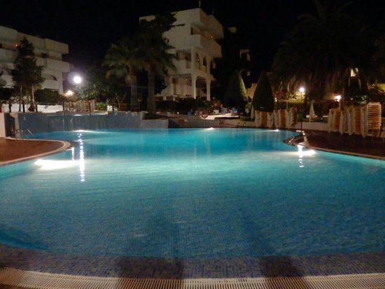 Club Martha's Aparthotel : piscina