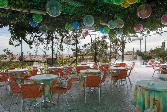 Hotel Sanremo: Terrazza Bar