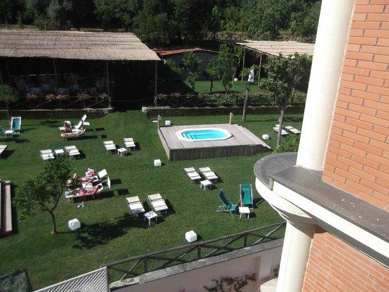 Hotel Atlantic Palace : Garden and Jacuzzi