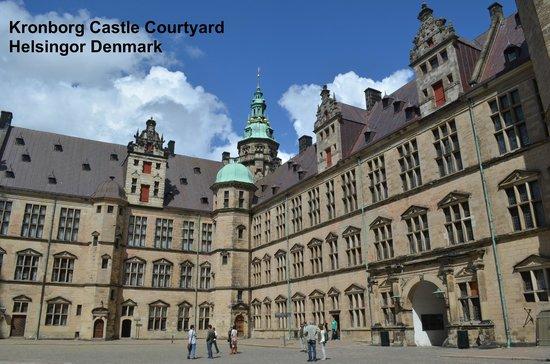 Château de Kronborg : Inside The Courtyard