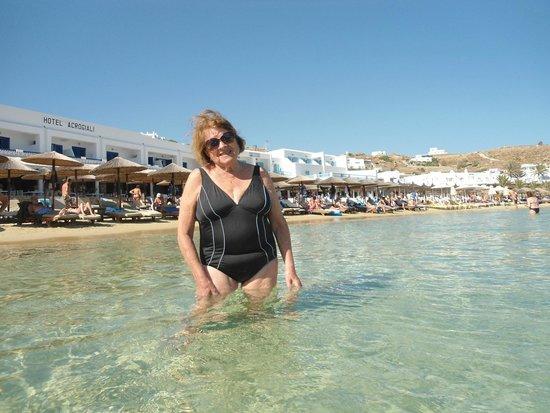 Avli Tou Thodori: en la playa