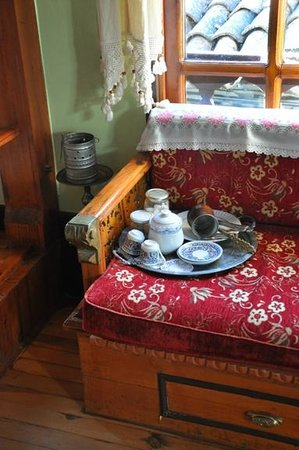 Hotel Sirince Evleri: teatime always ready to make in the sitting room