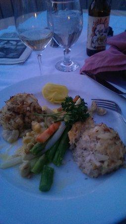 Bavarian Inn: crabcakes were delicious
