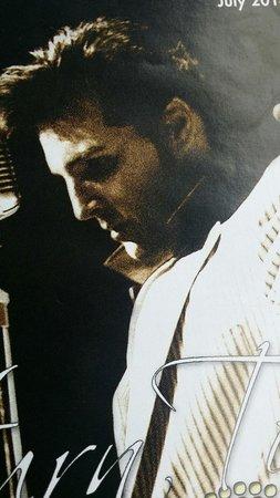 Ed Mirvish Theatre: Steve Michaels as Elvis