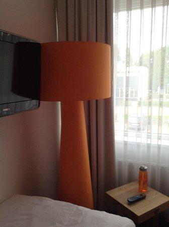 Best Western Plus Rotterdam Airport Hotel : lamp