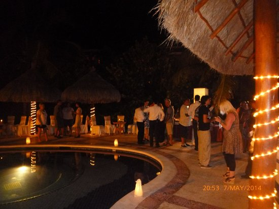 Grand Bahia Principe Coba : managers cocktail party for return visitors