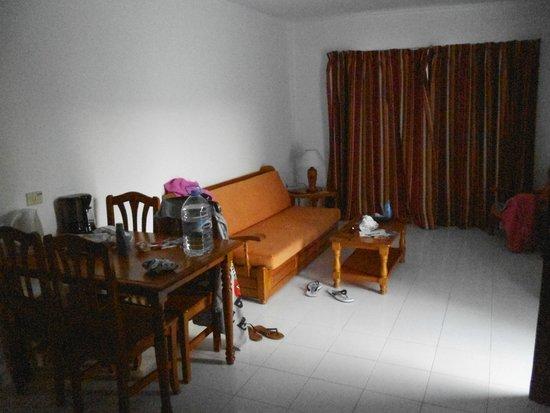 Apartamentos Sol: Living room