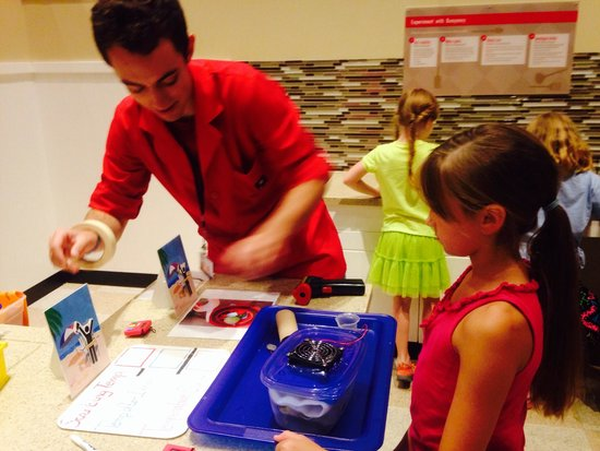 Museum of Science : Engineering projects teach kids to solve problems