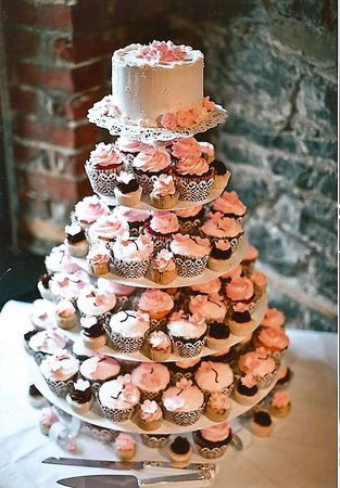 Simply Cupcakes Of Naples Wedding Cupcake Display