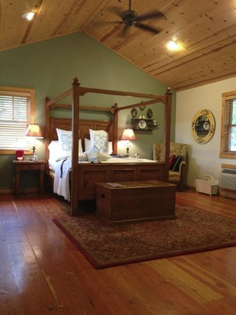 Lodge at Whitehawk: Inside Cabin #5