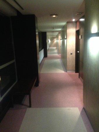 Eurostars i-Hotel: Pasillos de acceso a las habitaciones