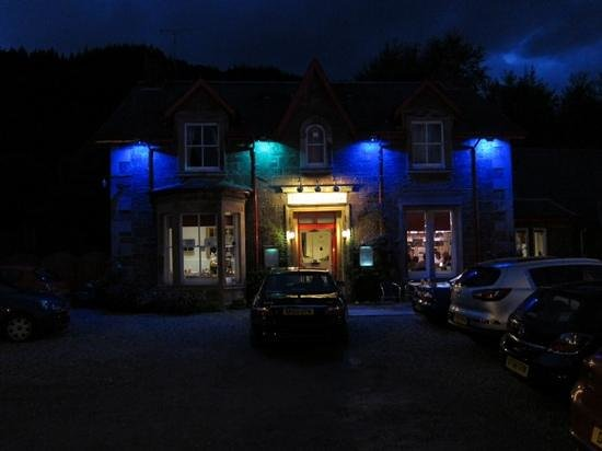 The Old Rectory Inn at night
