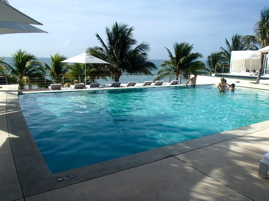 Blue Diamond Luxury Boutique Hotel : They could up their pool game....just a pool