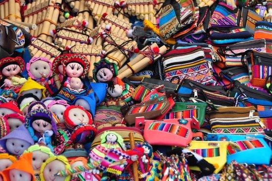 Mercado Abierto de Pisac: Artesania en el mercado de Pisaq