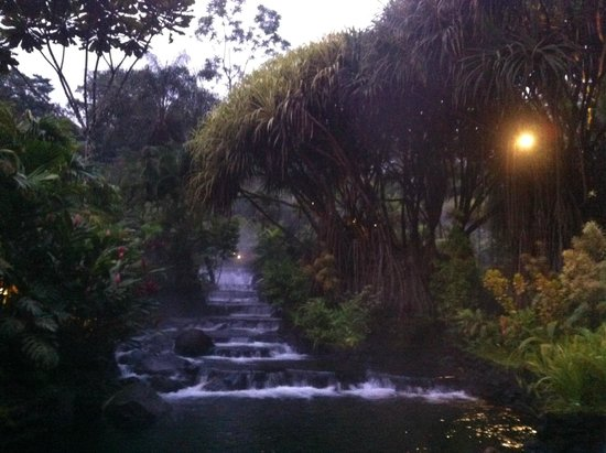 Tabacon Hot Springs: night time