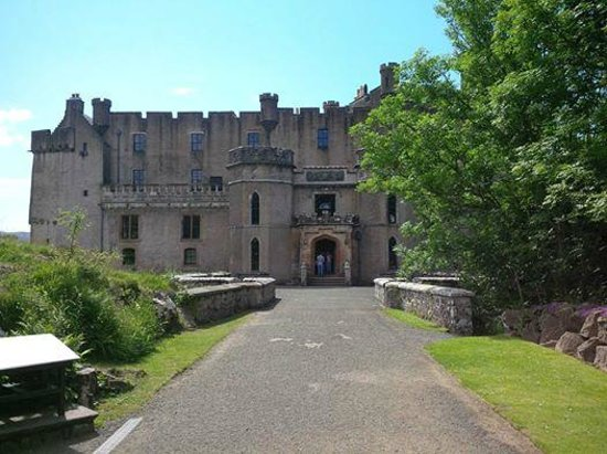 Dunvegan Castle & Gardens: Dunvegan Castle entrance.